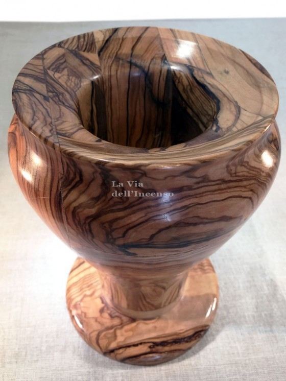 Bell shape vase in olive wood