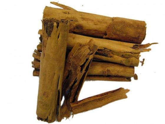 Cinnamon (Cinnamomum...