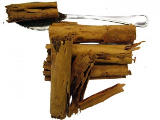 Cinnamon (Cinnamomum zeylanicum Nees)